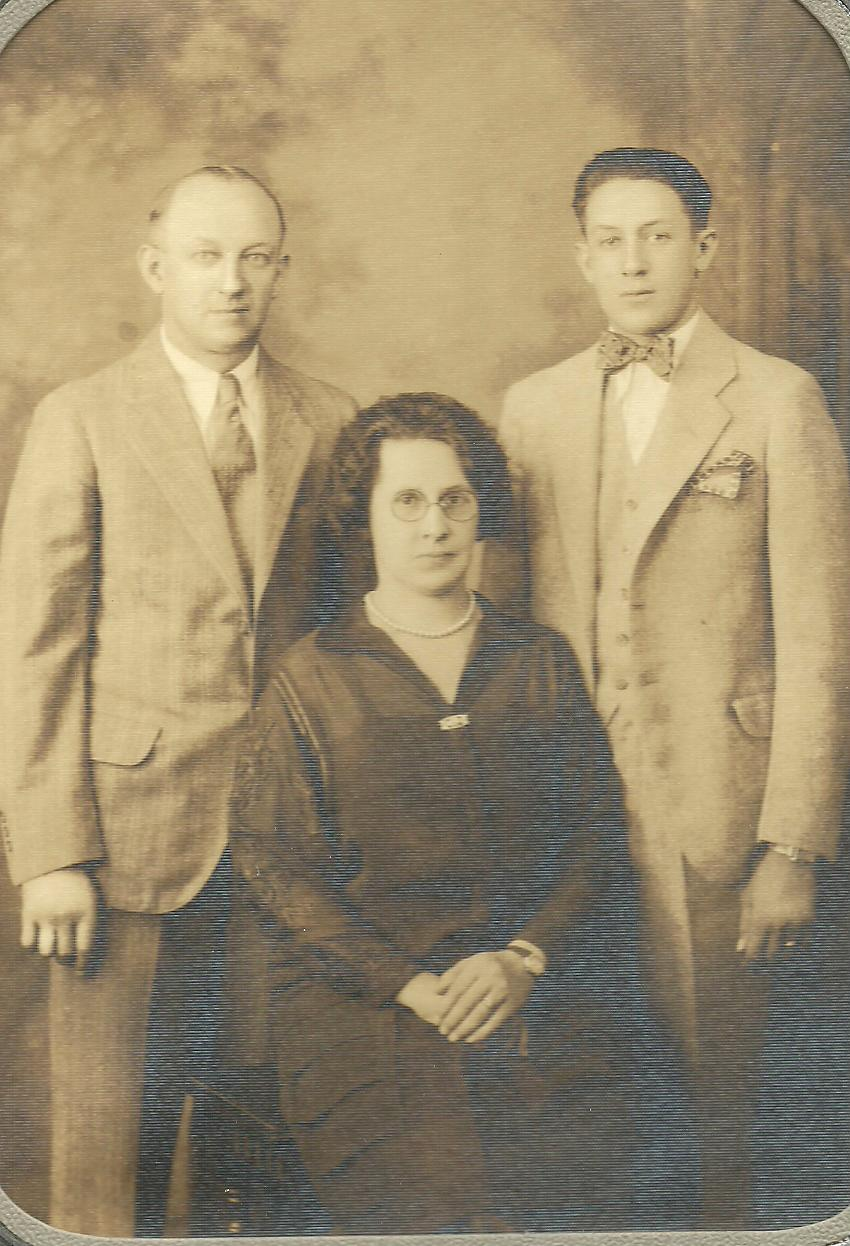 Bohumil, Lillie and Edward PAVLIS about 1930